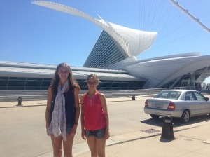 Anna and Ellie outside of the Milwaukee Art Museum